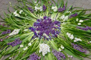 Blumenbilder zu Fronleichnam in Fölsen