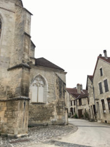 Graue Steinhäuser in Ricey-Bas